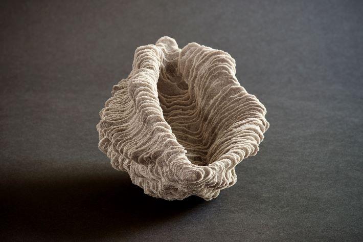 Seed. Ca. 19x14x14 cm.